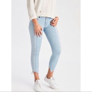 AEO Two Tone Jegging Crop Skinny Jeans Raw Hem NWT